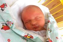 BENJAMÍN Henc se narodil na první svátek vánoční 25. prosince, vážil 3,63 kg a měřil rovných 50 cm. Maminka Lenka a tatínek Pavel si ho odvezou domů do Bezdědic.