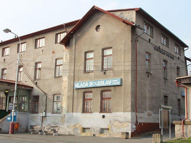 Vlakové nádraží v Mladé Boleslavi. Dočká se konečně rekonstrukce?