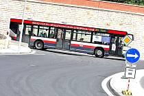 Městskými autobusy jezdí v Mladé Boleslavi tisíce lidí. Vyhrát ve Velké říjnové jízdenkové loupeži ale mohou jen tři.