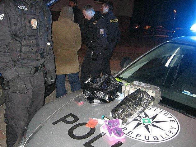 Zadržené auto narkomanů
