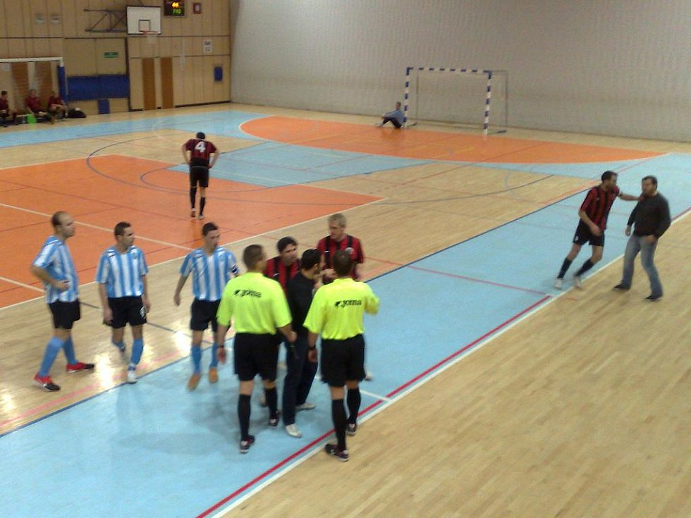 Strakanice po napadení rozhodčího v zápase II. ligy futsalu Andy Liberec - FK Mladá Boleslav futsal