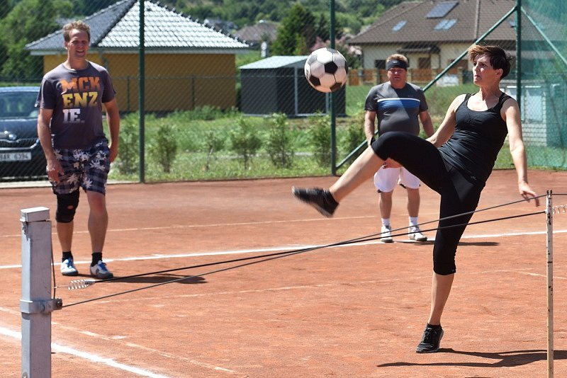 Pouťový turnaj v nohejbale.