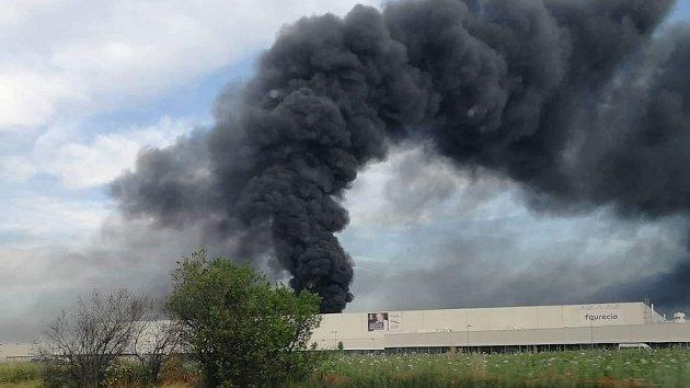 Požár výrobní haly v Bezděčíně
