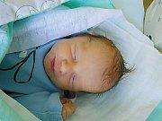 Tadeáš Poupa se narodil 13. ledna s váhou 2,56 kg. Maminka Eva a tatínek Radek si ho odvezou domů do Nové Teliby.