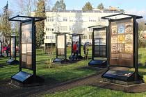 Klinika ve své zahradě hostí výstavu