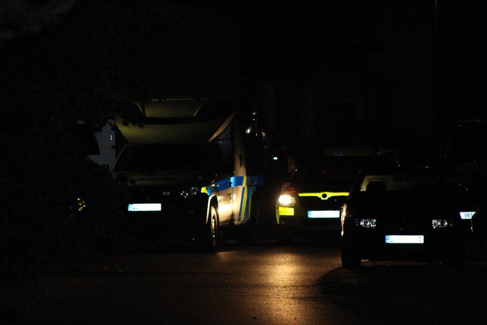 Velká tragédie se v úterý večer stala v malém městečku na Mladoboleslavsku. Dlouhodobé spory vyústily v Bělé pod Bezdězem ve dvojnásobnou vraždu a jednoho těžce zraněného.