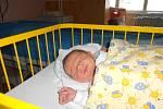 FILIP Hanč přišel na svět 10. března s mírami 4,11 kilogramů a 52 centimetrů. Bydlet bude s maminkou Květou a tatínkem Otakarem v Semčicích, kde na něj čeká bráška Mirek.
