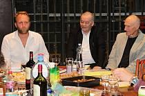 Režisér Pavel Khek zahájil minulý týden novou sezónu Městského divadla. Čtenou zkoušku uvedl společně s odborníkem na Shakespearovo dílo Martinem Hilským.