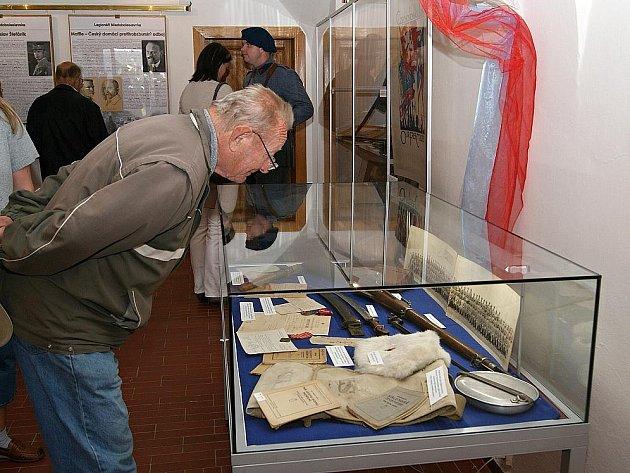 Vernisáž výstavy o legionářích v muzeu Mladoboleslavska.