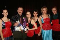 Tradiční Zástěrkový ples v Mukařově pořádají dobrovolné hasičky z Borovice.
