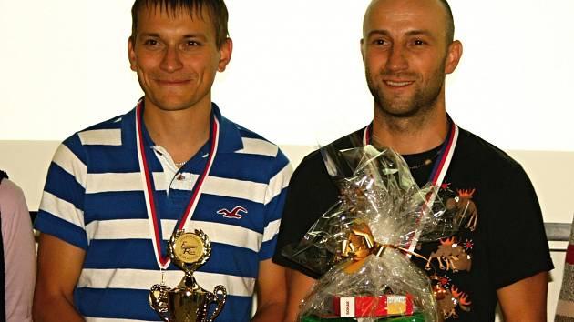 Vítězní závodníci Martin Kadlec a Marek Tribula z týmu Hustokrutostřelci.