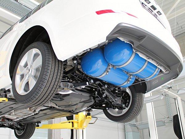 Nádrže na CNG jsou na nové Octavii umístěné na podvozku.