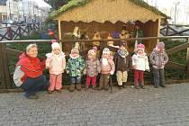 Helena Šádková na procházce s dětmi