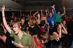 Koncert kapel Horkýže Slíže a Seven přilákal stovky fanoušků do kulturního domu Bezno.