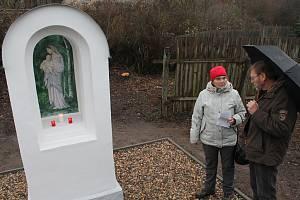 Ve Velkém Rečkově vysvětili kapličku, kterou ochranáři našli jen náhodou. Byla totiž zarostlá v křoví.