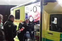 Opilec z Jičínské skončil v nemocnici a potom na záchytce.