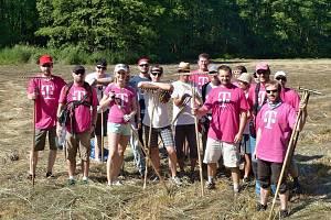Dobrovolníci pomáhali boleslavským ochráncům přírody.