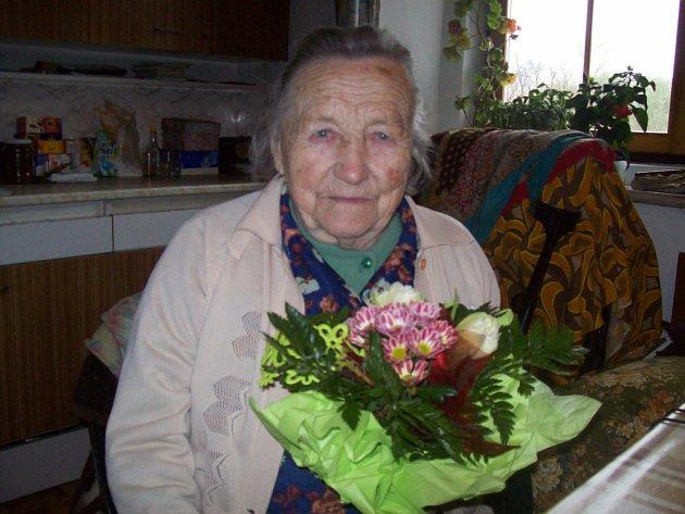 Marie Hlavářová oslavila letos 97. narozeniny.