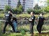 Silně podnapilá žena se chtěla zabít skokem na trať
