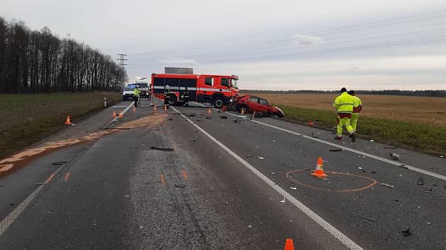 Na silnici 1/38 na úrovni obce Čistá došlo ve čtvrtek k tragické dopravní nehodě.
