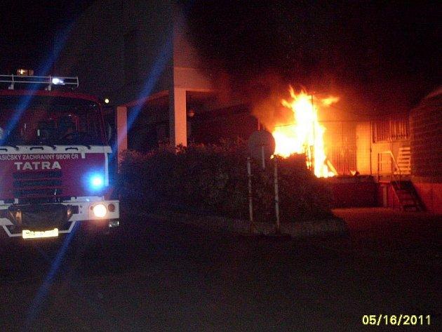 Požár krabic v Krátké ulici v Mladé Boleslavi.