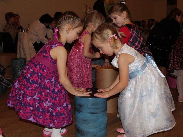 Na Plese dětí se tančilo i soutěžilo