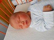 Rudolf Hruška se narodil 27. ledna, vážil 4,14 kg a měřil 52 cm. S maminkou Petrou a tatínkem Ondřejem bude bydlet v Ptýrově, kde už se na něho těší bráška Richard.