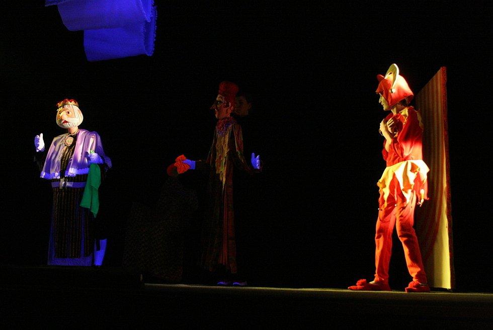 Soubor Jitřenka uvedl premiéru hry Šnofonius a Mordulína.