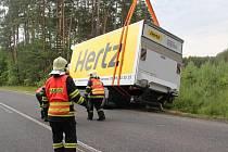 HZS - vyprošťování nákladního auta u Bělé pod Bezdězem