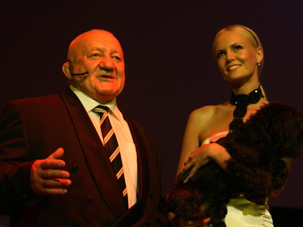 Zdeněk Srstka a Miss 2007 Lucie Hadašová
