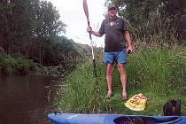 Velitelem vodácké výpravy byl Jean Claude Barták, který nakonec přežil dobrodružnou jízdu bez úhony na zdraví a majetku
