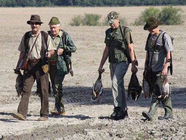 Hon na kachny v podání Mysliveckého sdružení Kněžmost na Mladoboleslavsku.