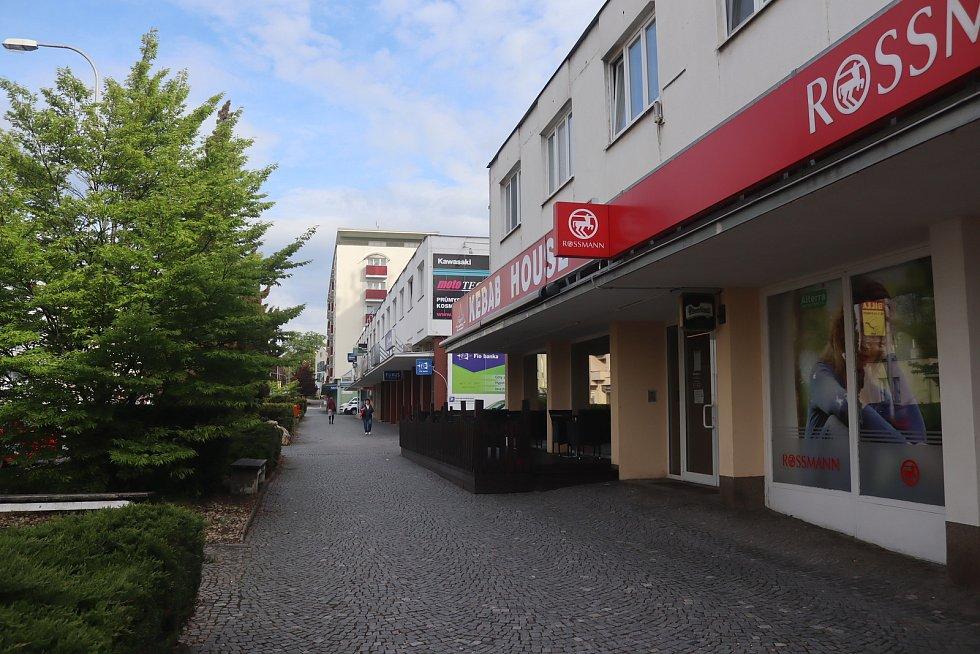 Také v Mladé Boleslavi se v pondělí otevřely zahrádky restaurací.