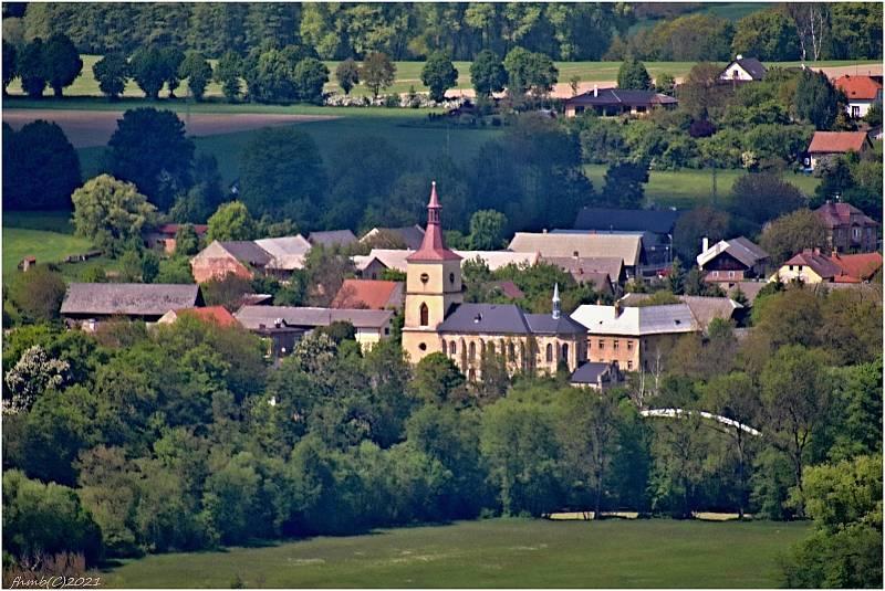 Kostel Nejsvětější Trojice v Loukově
