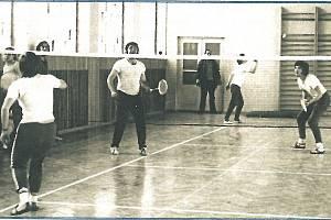 Počátky benáteckého badmintonu ve staré hale
