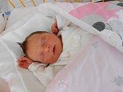 Jana Roučková se narodila 9. června, vážila 2,95 kg a měřila 49 cm. S maminkou Janou a tatínkem Martinem bude bydlet v Bělé pod Bezdězem, kde už se na ni těší bráška Martin.