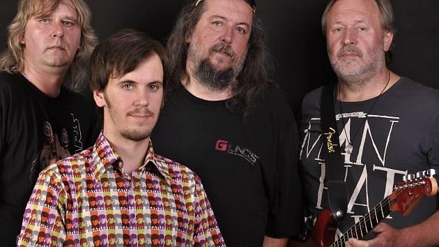 Kapela EX 05 z Benátek nad Jizerou: (zleva) Zdeněk Tvrdík, Jan Frumar, Milan Frumar, Jiří Rákosník.