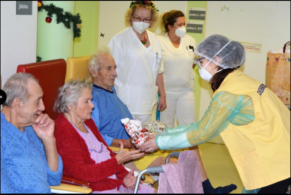 """Z akce """"Plníme vánoční přání – hledáme Ježíšky""""."""