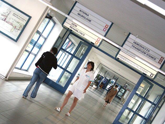 Fotografie z pracovního života zaměstnanců Klaudiánovy nemocnice Mladá Boleslav.