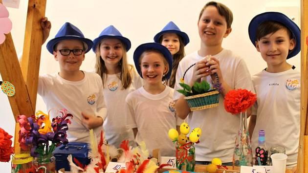 Děti z Amálky pořádaly velikonoční jarmark.