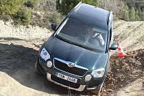 Škodovky s pohonem 4x4 si v testu Deníku ve španělské Barceloně poradily i s drsným terénem.