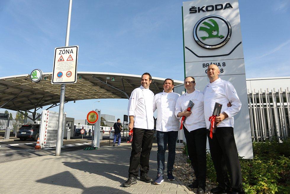 Šéfkuchaři v mladoboleslavské automobilce ve středu 8. září 2021.