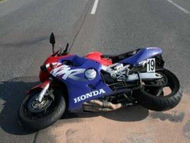 Nehoda motocyklu. Ilustrační foto