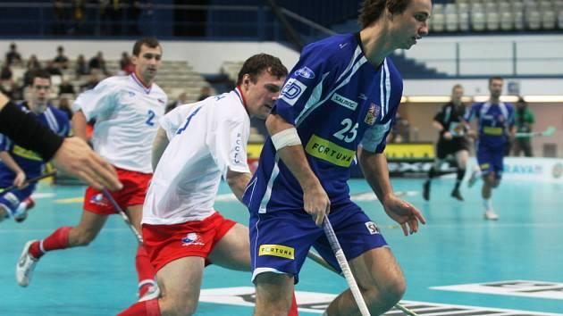 Petr Novotný v zápase s Ruskem