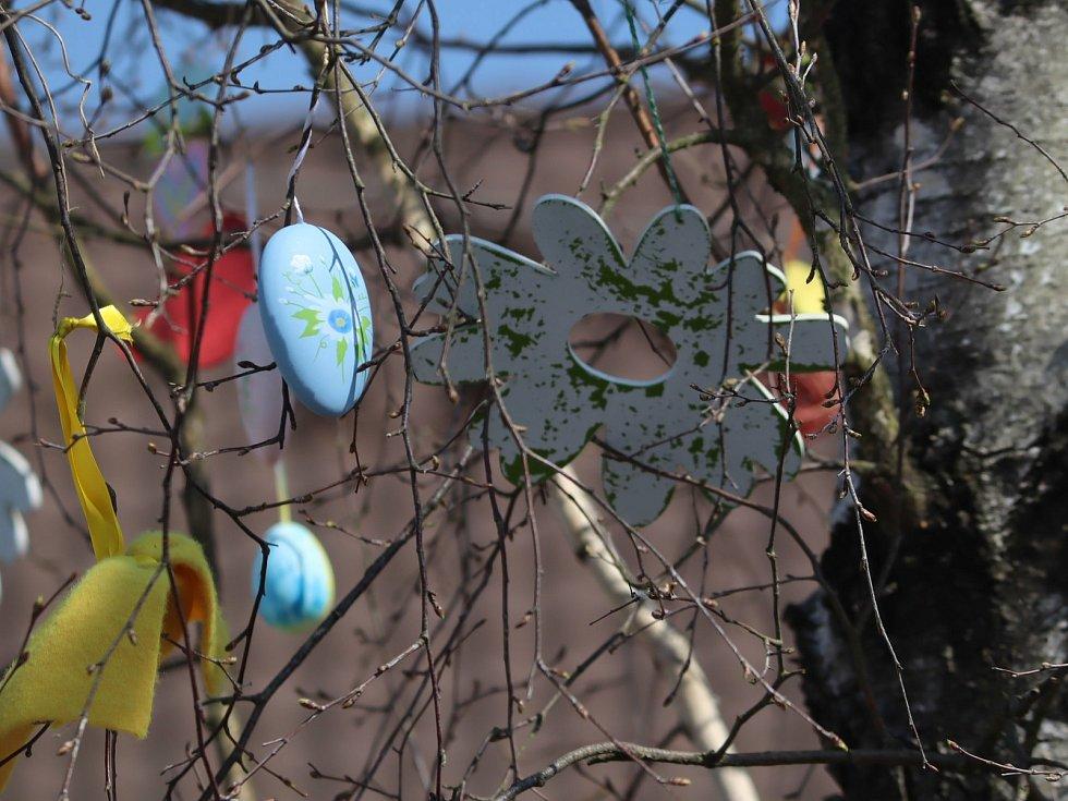 Velikonoční bříza v Benátkách nad Jizerou.
