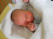Jakub Šoltýs se narodil 13. května, vážil 3,55 kg a měřil 49 cm. S maminkou Radkou a tatínkem Jaroslavem bude bydlet v Mladé Boleslavi, kde už se na něho těší sourozenci Sebastián a Nina.
