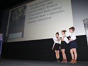 V mnichovohradišťském kině vyvrcholil v úterý projekt Příběhy našich sousedů závěrečnou prezentací žákovských týmů.