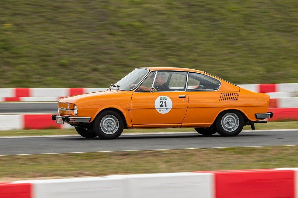 Škoda Auto se letos zúčastnila s pěti historickými modely soutěže historických vozidel Sachsen Classic. Jedna etapa zavítala i do Mladé Boleslavi.
