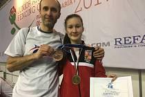 ANNA COUFALOVÁ, šermířka z Bělé pod Bezdězem, září na Mistrovství světa kadetů a juniorů, které se aktuálně koná v bulharském Plovdivu. Na kontě už má bronzovou medaili.