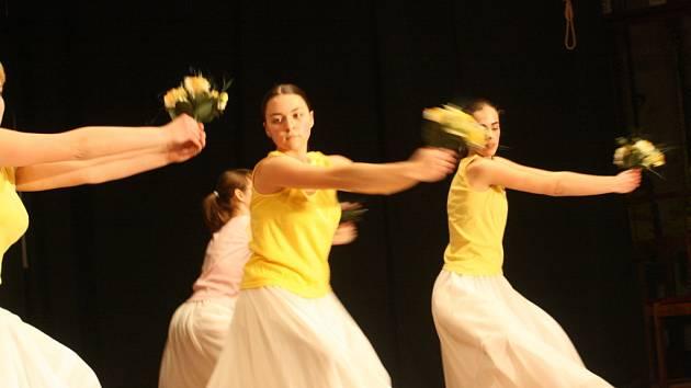 Regionální přehlídka tanečních oborů základních uměleckých škol se konala v Benátkách.